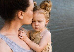 knuffelen met je kind is zo belangrijk